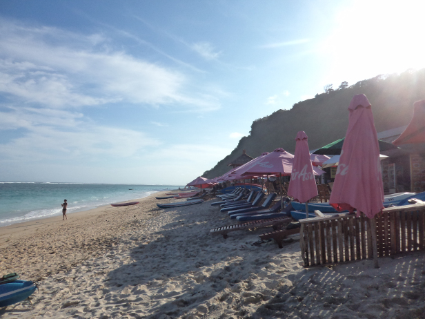 Paid recliners on the Pandawa beach