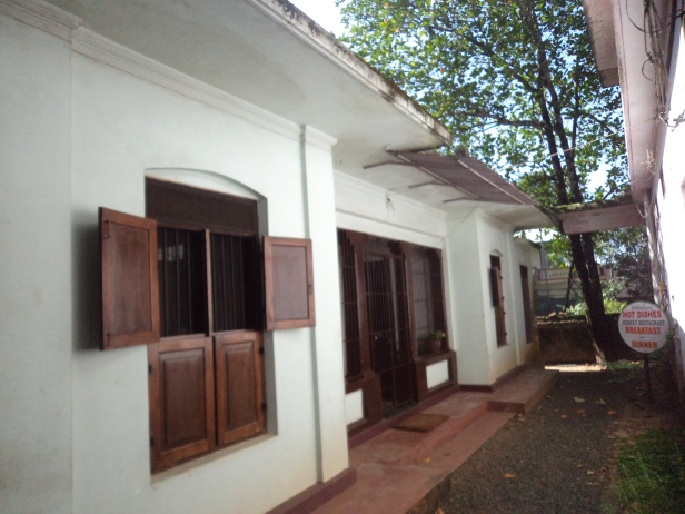 Outside view of Hot Dishes, Alleppey, Kerala