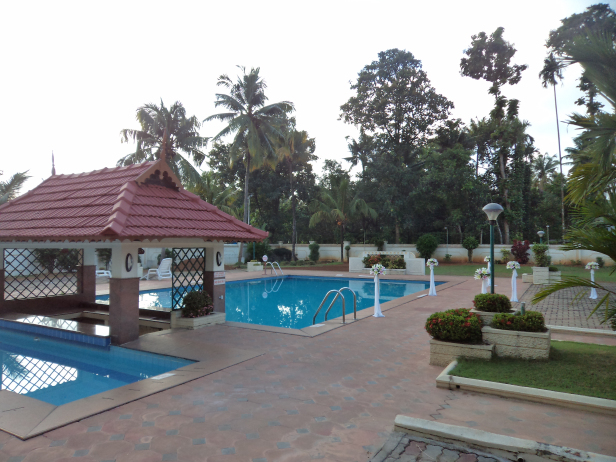 Pool area at Quality Airport Hotel, Kochi